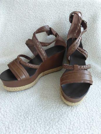 Модные,кожаные ,на платформе босоножки Juliee EUR 41