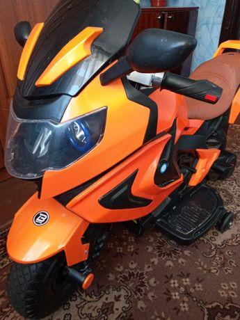 Электромотоцикл BMW M3681
