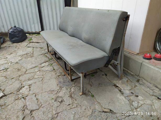 Продам сиденье тройное