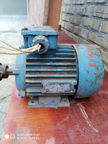 Электродвигатель 1,5 кВт,2850 об/мин 1500