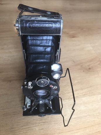 Zabytkowy aparat mieszkowy Voigtlander najstrsza firma fotograficzna