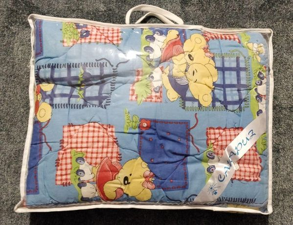 Шерстяное детское одеяло и подушка