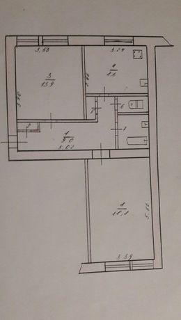 Продам 2 комнатную квартиру, центр,красная линия, без ремонта, дорого