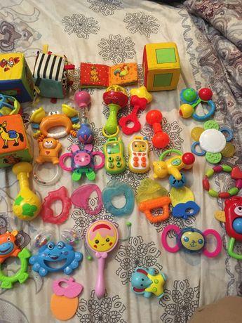 Пакет дитячих іграшок до року