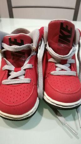 Sapatilhas Nike menino Tam 22