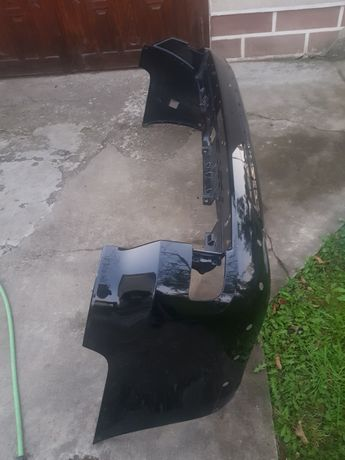 Бампер задній Toyota Land Cruiser 200
