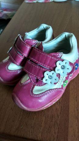 Взуття дитяче туфельки черевички пінетки