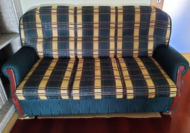 Sofá de tecido, com 3 lugares
