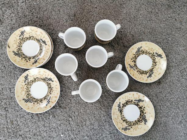 Zestaw 6 talerzyków i 6 filiżanek do espresso