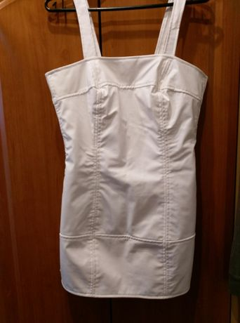 Skórzana biała sukienka Solei-fashion M