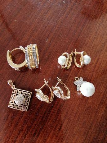 Медицинское золото, серьги, кулоны