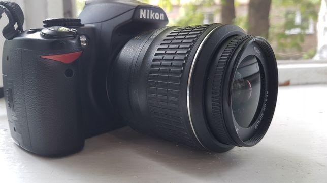 Nikon D3000 +kit 18-55mm