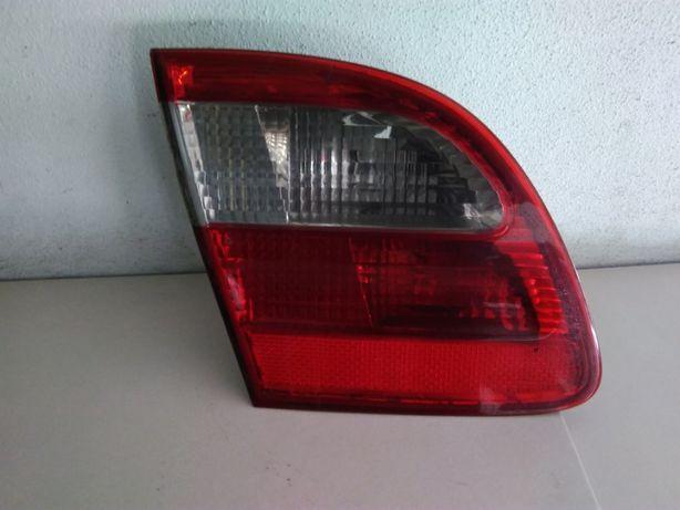 Farolim tampa da mala esquerdo Mercedes Class E (S211) 03 / 09