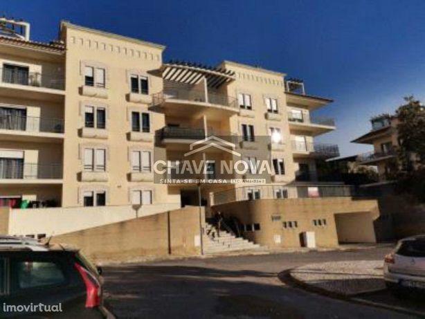 Apartamento T3, Situado na Alameda das Figueiras, nº 6,  Apart. 204...