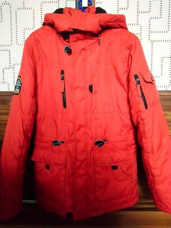 Продам зимову куртку на ріст 164(14-16 років)