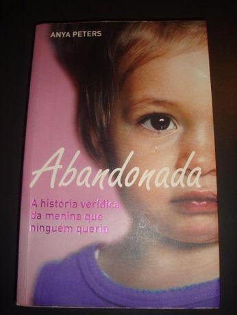 """Abandonada"" de Anya Peters"