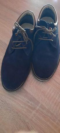 Sapatos Homem Clássicos em Camurça