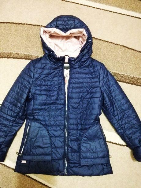 женская куртка M