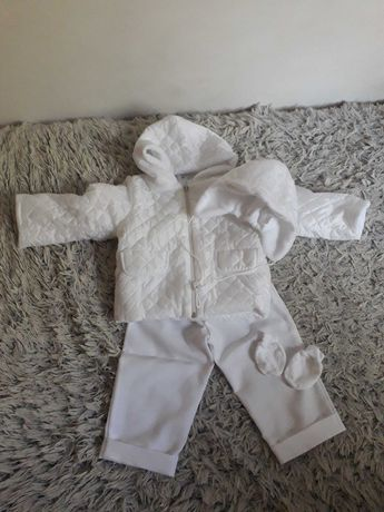 Ubranko do chrztu dla chłopca.