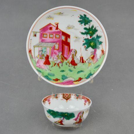Taça e pires em porcelana - Reprodução de Companhia das Índias