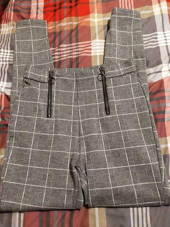 Spodnie siwe w  kratę, rozciągliwe Stradivarius 38, świąteczne