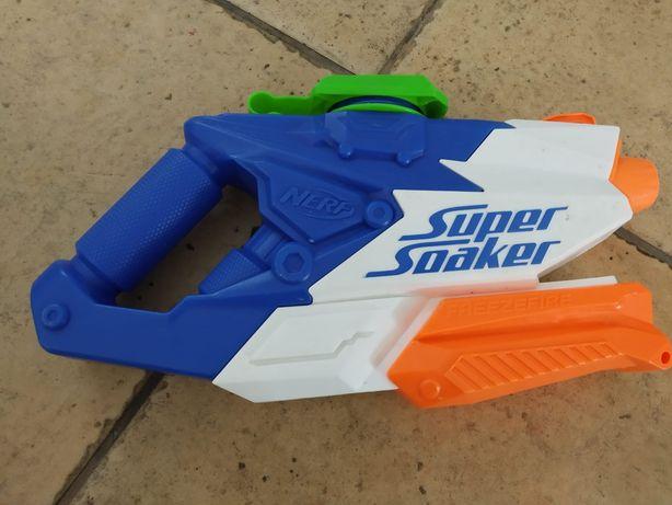 Pistola Água Nerf Super Soaker