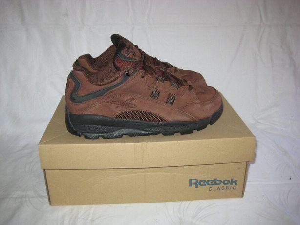 Кроссовки Reebok оригинал 37-38 размер по стельке 24,5 см.Кожаные.Леге