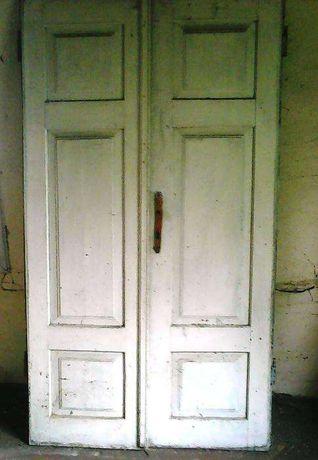 Stare, drewniane drzwi