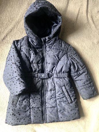 Продам куртку в идеальном состоянии, на  3-4 года