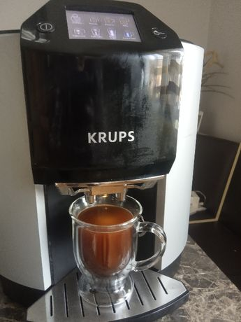 Automatyczny cisnieniowy ekspres do kawy KRUPS EA9000