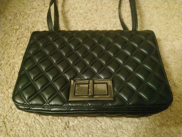 Czarna pikowana torebka