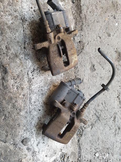 Audi a6 c6 zacisk hamulcowy prawy tył elektryczny