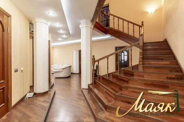 Аренда просторной 2х уровневой квартиры Героев Сталинграда