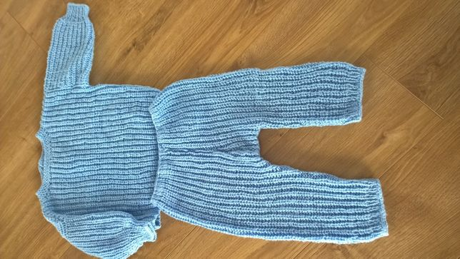komplet sweterek i spodnie