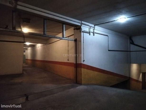 Lugar de Garagem - São João da Madeira - São João da Madeira