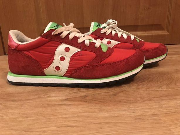 Красовки Saucony red сайконі 44.5 (adidas nike reebok sketchers)