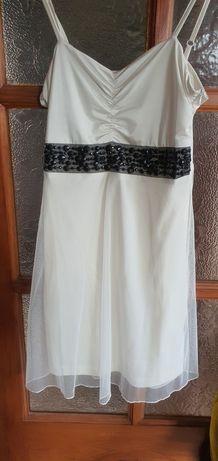 Biala sukienka, tiul, kamyczki d&g na wesele