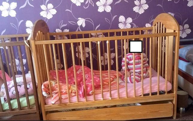 Łóżeczko dziecięce drewniane z szufladą i materacem