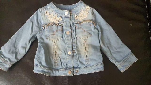 Продам джинсовую куртку на девочку Mayoral