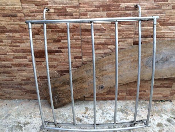 Antiga grade de tejadilho para corros classicos