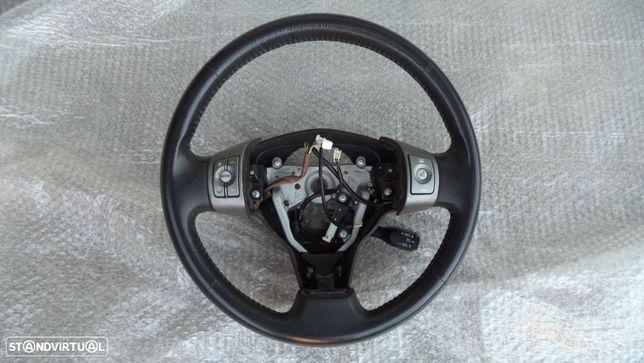 volante Toyota RAV 4 com comandos