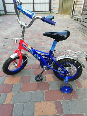 Продам детский велосипед с 2 лет