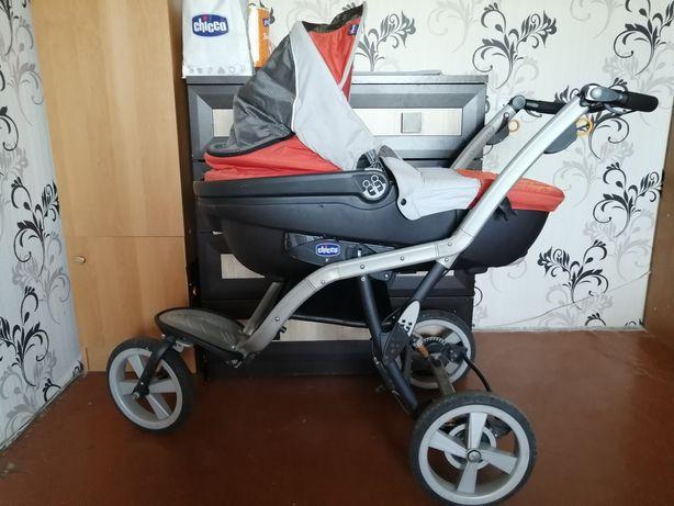 Продам коляску chicco S3