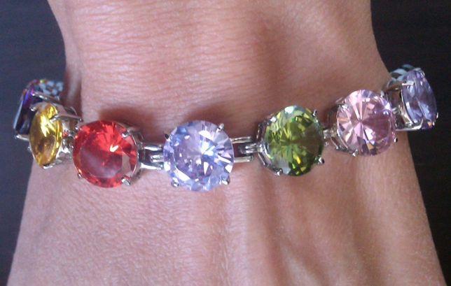 серебряный браслет с крупными драгоценными камнями