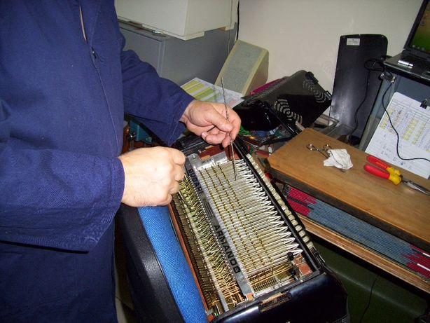 Afinador de Acordeão / concertina / bandoneon/accordion, oficina