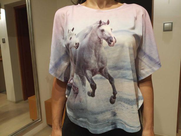 Bluzka dziewczęca z końmi r. 158