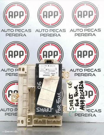 Módulo /placa fusíveis Smart Forfour, Mitsubshi Colt de 2006 referência A4548202826.