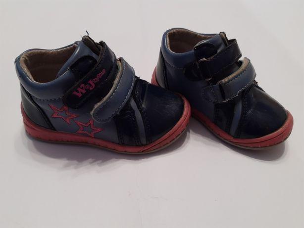 WIOSNA WOJTYŁKO Buciki buty trzewiki lakierki r. 20 dziewczęce