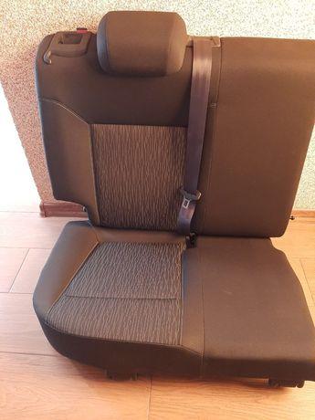 Продам задні сидіння опель астра j