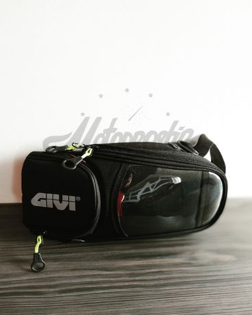 Сумка на бак GIVI. Рюкзак на бак GIVI. Мотосумка GIVI.